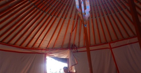 Yoga ad Ostuni nella yurta di Corpinomadi
